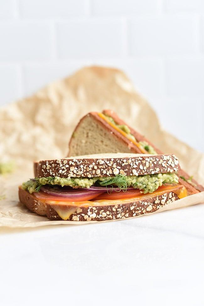 2-Minute Avocado Pesto Sauce Sandwich