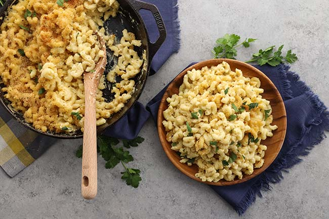 Baked Macaroni and Cheese with Bread Crumbs