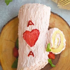 Valentine Strawberry Log Cake