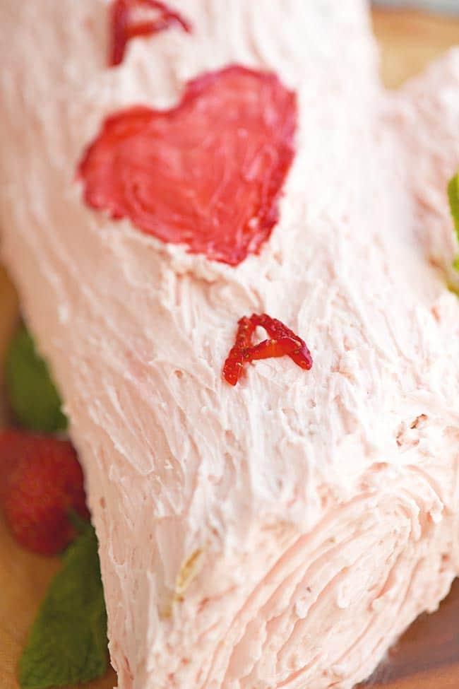 Valentine Strawberry Log Cake