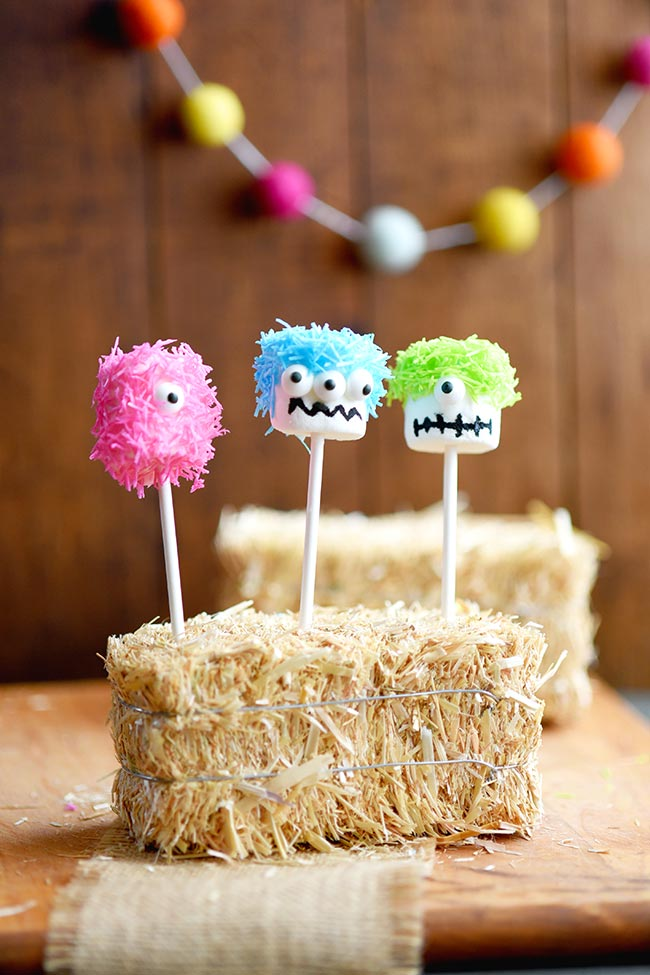 Marshmallow Monster Pops - an easy Halloween party treat